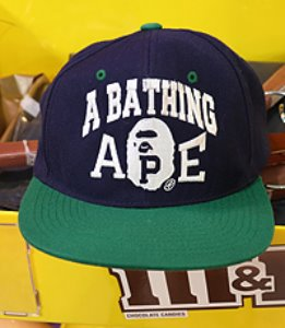 A BATHING APE × STARTER 스냅백